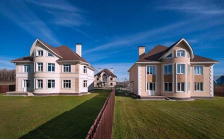 Как выбрать дом в коттеджном поселке