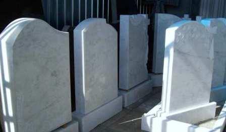 Особенности памятников из серого гранита